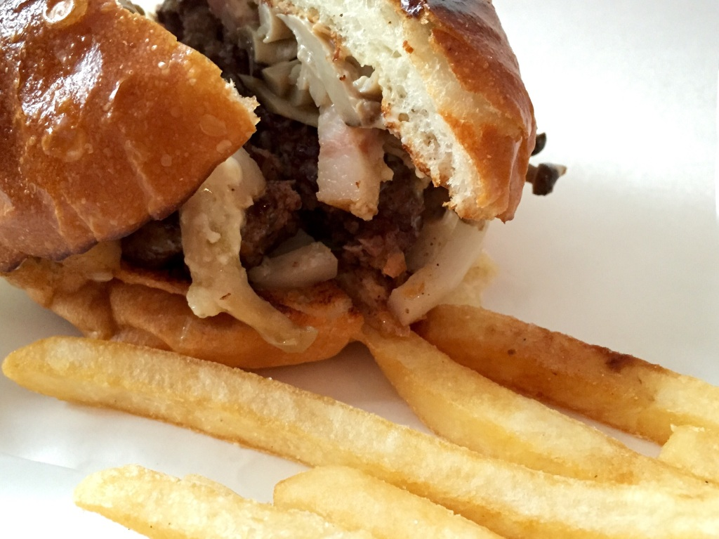 Burger Mania Ebisu Bacon Mushroom Burger