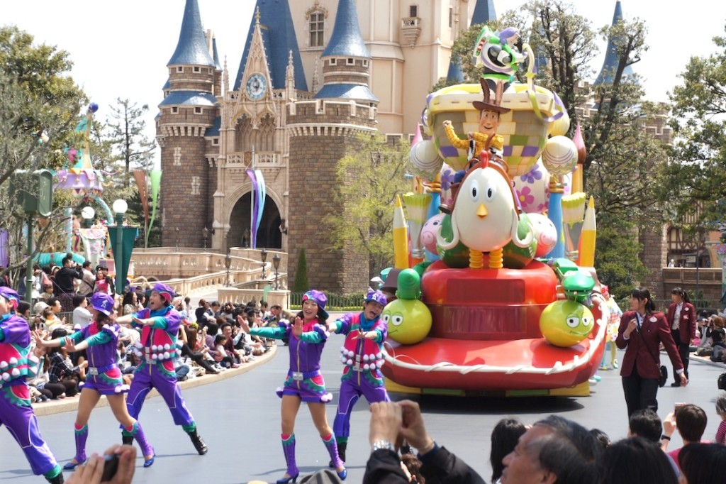 6 Things You Should Know Before Going To Tokyo Disneyland
